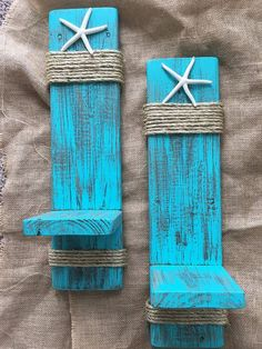 Set of 2 Reclaimed Wood Sconces with Starfish-Wall Decor-Cottage Chic-Farmhouse Decor-One of a Kind-Nautical Sconces-Distressed Sconces Set Wandlampen aus Altholz mit Seesternmauer