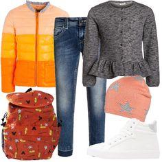 Piumino con colletto coreana color arancio sfumato abbinato a felpa color grigio chiaro melange e jeans slim fit. Per gli accessori ho scelto sneakers alte color bianco e argento, zainetto color arancio e berretto color pesca con stelle.