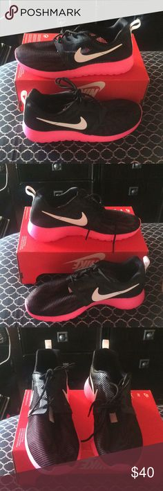 New nike roshe light weight girls fashion sneakers New nike roshe light weight girls fashion sneakers size 6y color black/pink Nike Shoes Sneakers