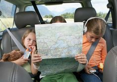 When embarking on a road trip, it's not always easy to find nutritious snacks, so you may want to bring your own. Here are 14 healthy road trip snacks. Road Trip Activities, Road Trip Snacks, Road Trip Games, Activities For Kids, Outdoor Activities, Road Trip With Kids, Family Road Trips, Travel With Kids, Family Travel