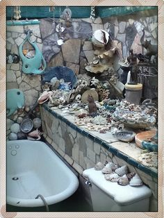 Mermaid Bathroom Gorgeous But I Wouldn T Want To Be The One That Has To