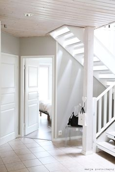Vaaleanpunainen hirsitalo - Page 3 of 904 - Interior Styling, Interior Decorating, Entry Hallway, Entryway, Home And Living, Entrance, Stairs, Hallways, Painted Walls