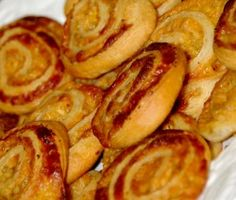 Pasteie – Page 2 – Boerekos – Kook met Nostalgie Corndog Recipe, Mozzerella, Twisted Recipes, Biltong, South African Recipes, Marmite, Corn Dogs, Recipe Search, Types Of Food