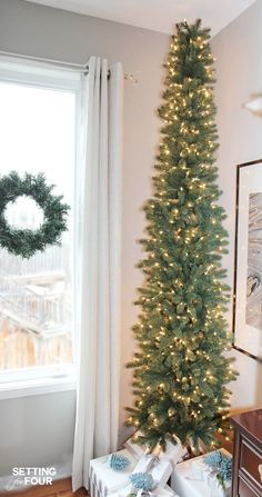 Want to decorate a narrow space for Christmas? Have a small condo, small cottage or small apartment? A narrow Pencil Christmas Tree is the perfect holiday solution for decorating small homes and narrow spaces like foyers, hallways and landings! Christmas Trees In House, Narrow Christmas Tree, Skinny Christmas Tree, Pencil Christmas Tree, Types Of Christmas Trees, Small Christmas Trees, Beautiful Christmas Trees, Christmas Tree Decorations, Christmas Home