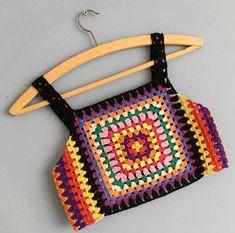Captivating Crochet a Bodycon Dress Top Ideas. Dazzling Crochet a Bodycon Dress Top Ideas. Motif Bikini, Crochet Bikini Top, Crochet Halter Tops, Crochet Blouse, Crochet Woman, Love Crochet, Diy Crochet, Crochet Baby, Crochet Top