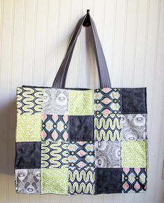 Show Off Saturday... sewing more Patchwork Totes (free tutorial) — SewCanShe | Free Daily Sewing Tutorials