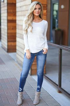 Do you wonder how you can outfit stylish? I'll move you with the ins and outs of designing your-self with a elite, chic, and classy trend. Mode Outfits, Outfits For Teens, Fall Outfits, Fashion Outfits, Fashion Trends, Christmas Outfits, Jean Outfits, Classy Outfits, Casual Outfits