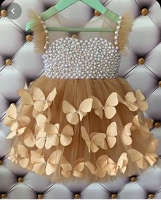 t's a really gorgeous dress ✨ Baby Girl Dresses Diy, Kids Party Wear Dresses, Baby Girl Frocks, Baby Girl Dress Patterns, Baby Pageant Dresses, Baby Dress Tutorials, Girls Frock Design, Baby Dress Design, Baby Frocks Designs