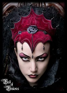 Veil of Visions Elizabethan Headdress