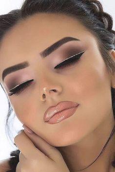 Double Eyeliner, Eyeliner For Hooded Eyes, Natural Eyeliner, Best Eyeliner, No Eyeliner Makeup, Eyeliner Waterline, Simple Eyeliner, Winged Eyeliner, Makeup Brush