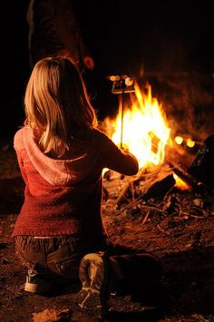 Seasons Of The Year, Best Seasons, Vincent Van Gogh, Breathing Fire, Roasting Marshmallows, Back To Nature, Go Camping, Camping Ideas, Country Life