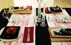 Iittala Table settings:  Black-white-red table setting, an idea for christmas.  Tableware: Arabia nero, Arabia KoKo, Arabia Oma, Iittala Festivo