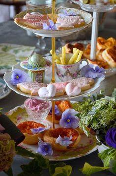 <3 tea party