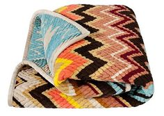 I'm veryyyy picky about Missoni prints, but this is one of my FAVORITE pieces from the Missoni for Target collection.