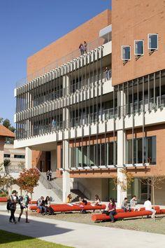 Gallery of University of California Irvine Contemporary Arts Center / Ehrlich…