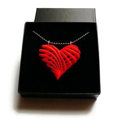3D-print jewelry - My twisted heart