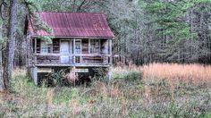 An old wooden house, or shotgun shack, in rural Brunswick County north Carolina near Wilmington NC.