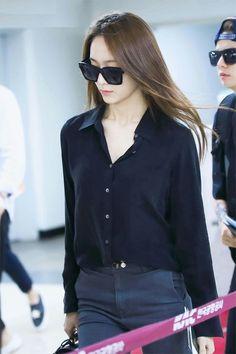 Is this female member of A Pink copying f(x)'s Krystal? Japan Fashion, Girl Fashion, Fashion Outfits, Krystal Jung Fashion, Krystal Fx, Black Button Up Shirt, Non Iron Dress Shirts, Korean Fashion Kpop, Diy Fashion Hacks