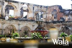 No hay como un toque elegante en una bella ruina  Ruinas Santa Clara, Antigua  Wala Studio   Wala Events!!