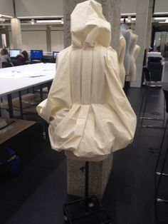 using calico on the stand to create a pleated jack back with hood