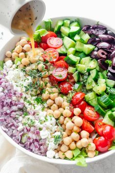 Make this Mediterranean Chopped Salad for a large crowd. It's full of veges, chickpeas, feta cheese and olives and tossed in an oil-free lemon herb dressing Appetizer Salads, Best Appetizers, Clean Eating, Healthy Eating, Healthy Food, Healthy Salads, Chopped Salad Recipes, Chopped Salads, Diet Salad Recipes