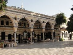 #magiaswiat #podróż #zwiedzanie #damaszek #blog #azja #saladyn #syria #mauzoleum #meczet #umajjadow #krysztalowy #azim #palac #bosra #palmyra #malouli #malula Palmyra, Syria, Louvre, Building, Blog, Travel, Viajes, Buildings, Blogging