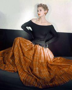 Lisa Fonssagrives, photo by Horst, Vogue 1950