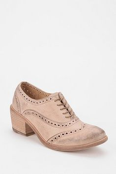 Frye Maggie Perforated Oxford - Urban Outfitters