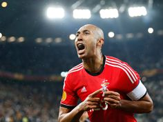 Benfica's Luisao celebrates - Benfica's Luisão celebrates at the end of the Europa League semi-final against Juventus | Stefano Rellandini/Reuters