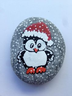 Easy Christmas Crafts for Gifts for Coworkers – Holiday Rock Painting Ideas DIY Christmas Rock Painting for Holiday Decorations Rock Painting Patterns, Rock Painting Ideas Easy, Rock Painting Designs, Stone Art Painting, Pebble Painting, Pebble Art, Christmas Rock, Christmas Crafts For Gifts, Xmas