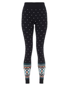Beautiful winter base layer leggings ideal for the Christmas season, seamlessly constructed with a flattering festive jacquard print. Fabric feels soft on skin while wicking away sweat for all-day comfort, while the deep ribbed waistband and ankle cuffs add fashion-forward texture.