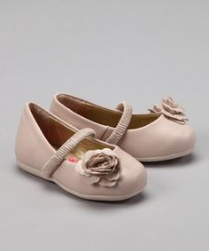 Cute kids shoes by Pampili, a Brazilian shoe company.