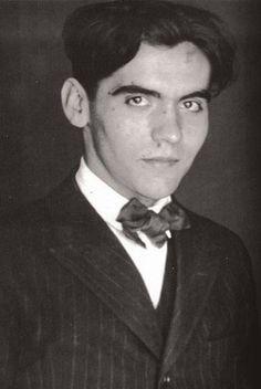 Federico Garcia Lorca (5 de junio de 1898 – 18 de agosto de 1936)