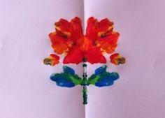 Fiore astratto realizzato con la tempera.