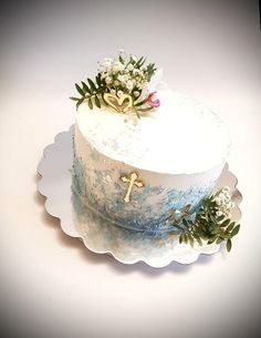 Torta na Prvé sväté prijímanie, Autorka: Miechaela Hybská Modern Birthday Cakes, Beautiful Birthday Cakes, Themed Birthday Cakes, Baby Boy Christening Cake, Bmw Cake, Dedication Cake, Strawberry Roll Cake, Religious Cakes, Confirmation Cakes