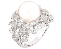 "Chanel ""Voie lactée"" ring In 18-karat white gold set with 79 brilliant-cut diamonds."