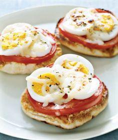 Great breakfast menu idea Kids brunch - egg pizza