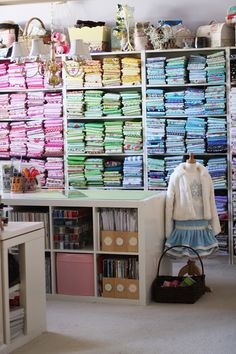 Sewing Fabric Storage Show your sew space! An organized sewing studio encourages creativity and productivity. Sewing Room Storage, Sewing Room Organization, Craft Room Storage, My Sewing Room, Fabric Storage, Sewing Rooms, Craft Rooms, Fabric Boxes, Fabric Basket