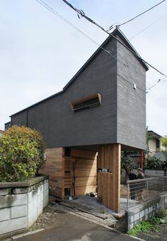 japan-architects.com: 西久保毅人/ニコ設計室による「マシューズさんの家」