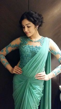 Adah Sharma in Sea Green embroidery Net Blouse with Saree Gown at Santosham Awards 2015 Indian Dresses, Indian Outfits, Saree Gown, Dhoti Saree, Lace Saree, Net Saree, Drape Sarees, Net Blouses, Adah Sharma