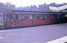 """East London Line """"Q"""" stock train at New Cross Gate in This train was at least 32 years old at the time this photo was taken. London View, South London, Old London, London Underground Train, Underground Tube, Village Fete, Metro Subway, S Bahn, Old Trains"""