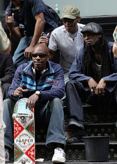 DAVE Chappelle POSING WITH SOME FANS IN NYC