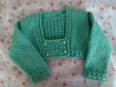 Que ganas tenía de volver! Aquí estoy con una rebequita verde muy especial, para una princesa superdeseada que llegará en Ag... Baby Cardigan, Baby Pullover, Pullover Design, Sweater Design, Knitting For Kids, Baby Knitting Patterns, Crochet Poncho, Crochet Baby, Kids Patterns