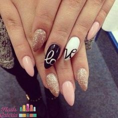Uñas para el 14 de febrero Love is in the air.especially with these nails on!Love is in the air.especially with these nails on! Get Nails, Fancy Nails, Love Nails, Trendy Nails, Pointed Nails, Stiletto Nails, Fabulous Nails, Gorgeous Nails, Almond Nails Designs