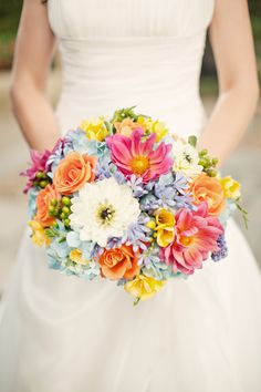 all bridal bouquets made and designed by bridal blooms & creations. #weddings #bouquets #bridalflowers #bridallook #weddingflowers #floraldesign #texasweddings #bridalblooms #springwedding #bridalbouquet