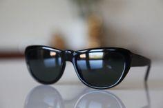 65d4c5854ca3 Classic Cat Eye Sunglasses Black Frame  Dark Lenses Black Cat Eyes
