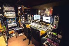 In the Studio: Jon Hopkins | XLR8R