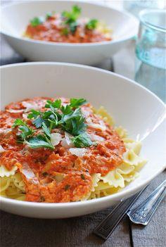 creamy sun dried tomato pasta - looks delicious!!