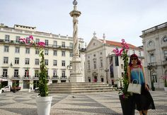 Lisbon, Portugal travel guide: Modern art, fashion & food! LX Factory, hip neighborhoods. - via La carmina 17.12.2015   I finally visited Lisbon, Portugal… and kicked myself for not doing so sooner! I loved the city so much that it's now one of my top three favorites in all of Western Europe. Photo: lisbon Municipio square