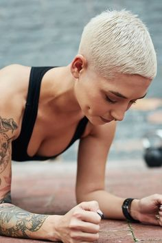 Short Pixie, Short Hair Cuts, Short Hair Styles, Gym Workouts, At Home Workouts, Fitness Tips, Health Fitness, Stability Exercises, Core Exercises